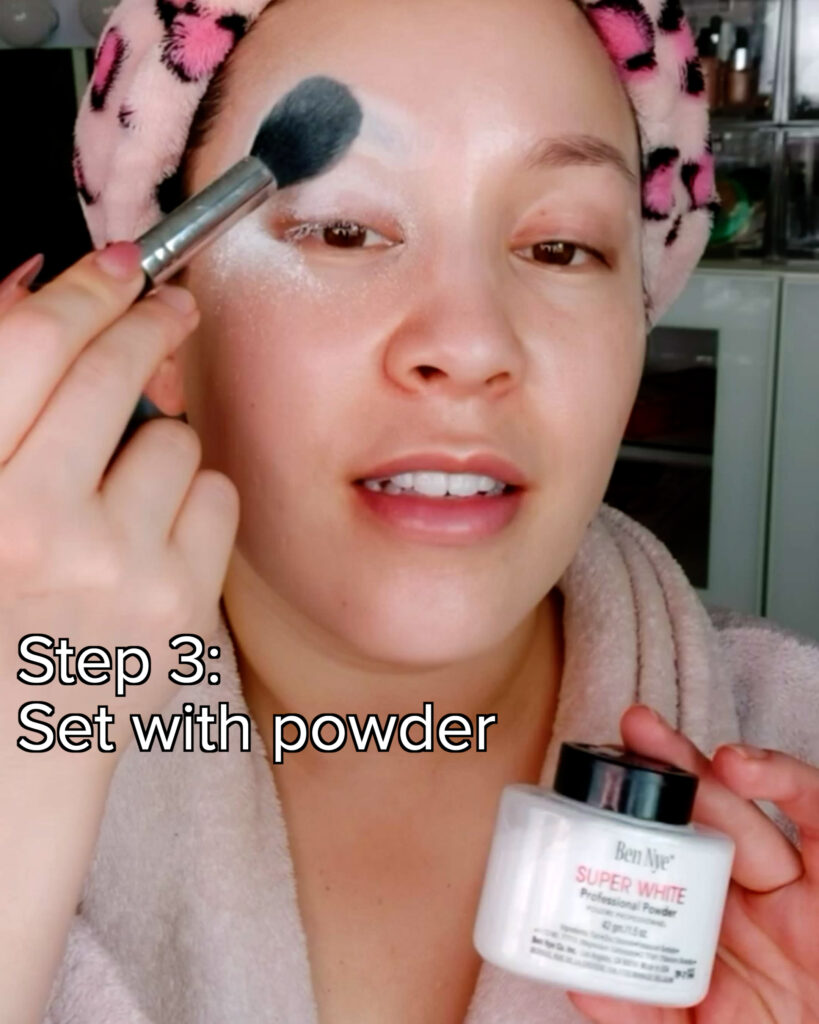 cover eyebrows with powder